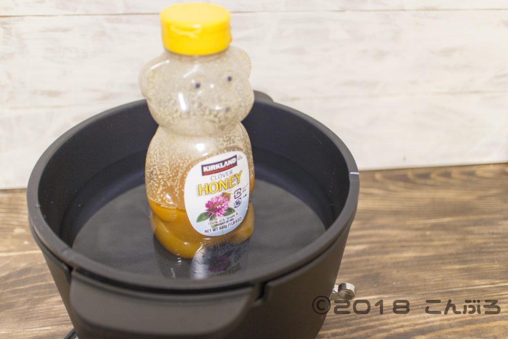 ハチミツをお湯で温めて元に戻す
