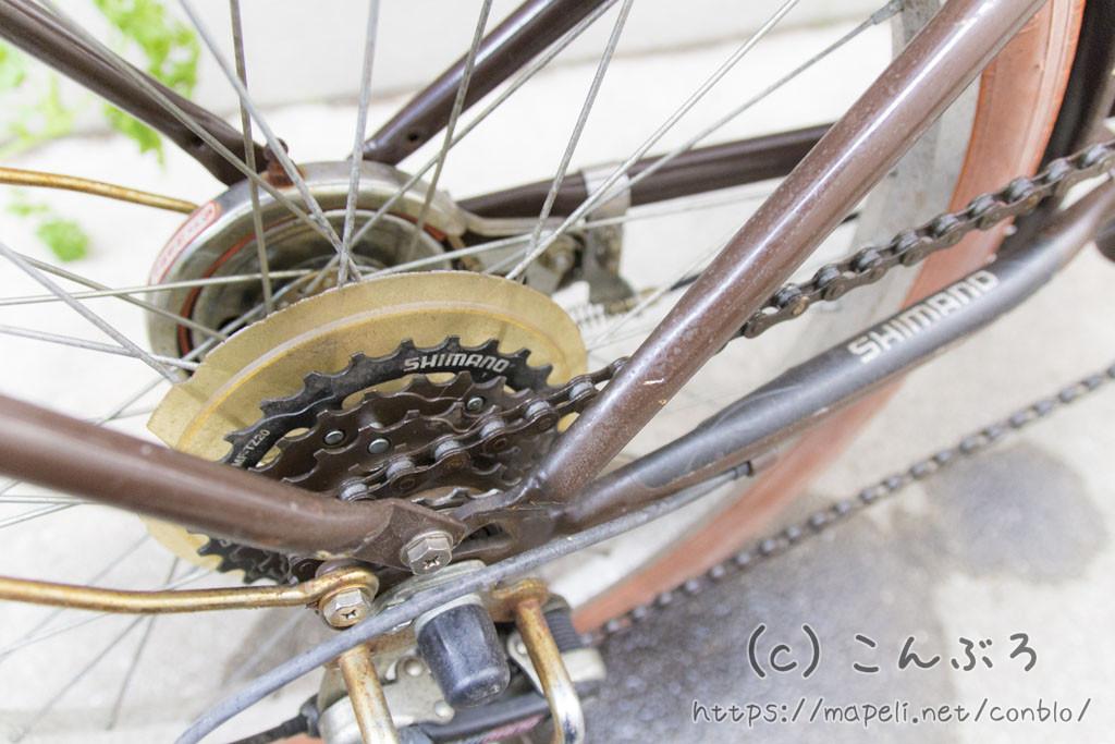 自転車のチェーン掃除にクリーナーとルブを使う