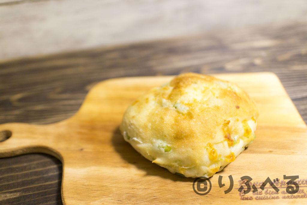 モチモチ枝豆チーズパン